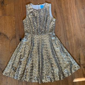 Gold/bronze sequin dress!